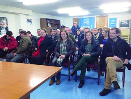 Reunión de alcaldes e voceiros do Partido Popular da comarca de Lemos, celebrada a finais de xaneiro na sede do PP de Monforte. (Foto cedida).