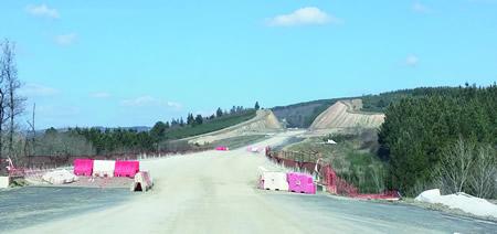 Imaxe do avance dos traballos dun tramo da Vía de Altas Prestacións Sarria-Monforte, ao seu paso polo municipio de Bóveda. CMATI