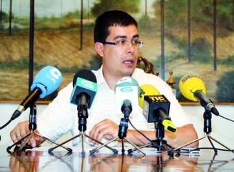 O responsable da Área de Cultura da Vicepresidencia provincial, Mario Outeiro, durante a rolda de prensa. GPVDL.