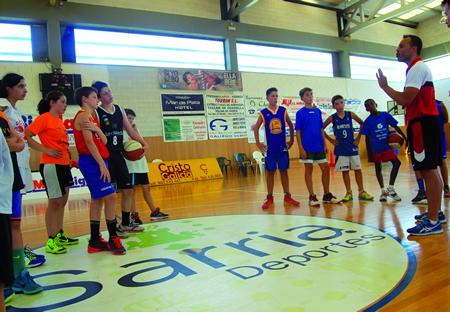 Imaxe dunha sesión formativa no VII Campus Baloncesto no Camiño.(Foto cedida).