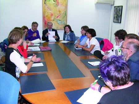 Reunión do alcalde de Monforte e da concelleira de Cultura cos representantes dos centros de ensino, o pasado 5 de outubro.  GPCM