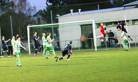 Imagen del partido disputado entre el Paiosaco y el Lemos, el pasado 6 de diciembre. (Foto: Mateo López).