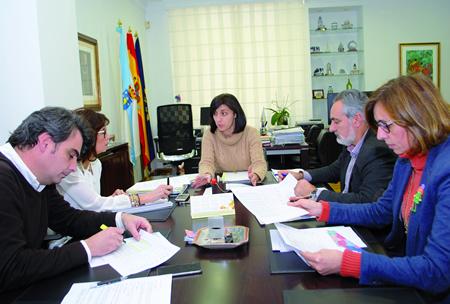 Reunión en Medio Rural entre a conselleira e os delegados territoriais da Xunta nas catro provincias. GPXG.