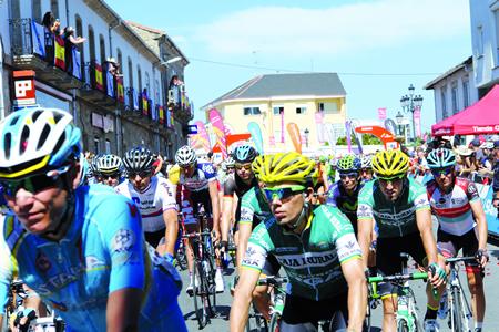 La Vuelta repetirá saída dende a Ribeira Sacra, este ano dende Monforte o 25 de agosto. (Arquivo EC).