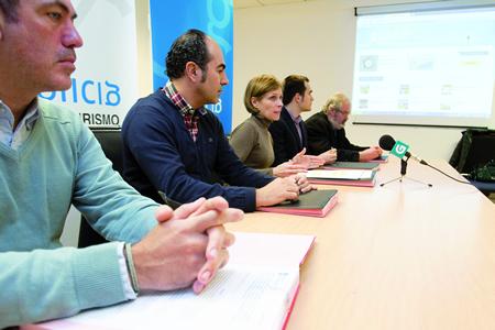 Rolda de prensa posterior á sinatura do convenio entre Xunta e as asociacións de Turismo Rural. GPXG.