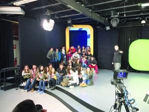 Visita do alumnado deste centro monfortino á Fundación TIC en Lugo. (Foto cedida).