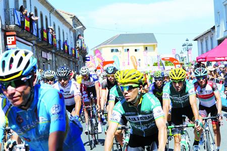 En 2013, Sober protagonizou unha saída de etapa de La Vuelta, con gran expectación e afluencia de público. Arquivo EC