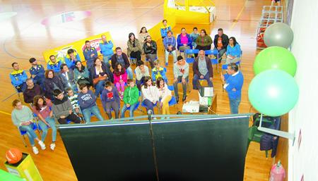 A charla sobre primeiros auxilios tivo lugar no pavillón do Novo Chanto o pasado 15 de outubro. (Foto cedida).
