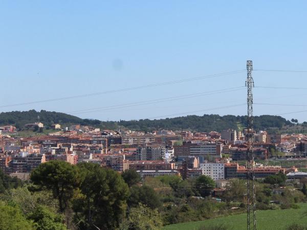 L'Ajuntament requalificarà terrenys públics buits per destinar-los a habitatge públic