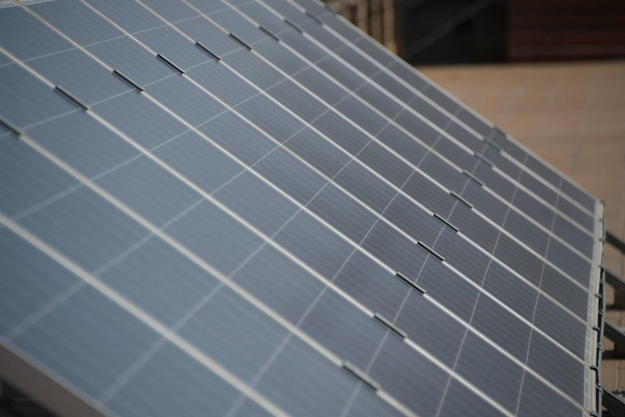 Entra en vigor la nova ordenança de les plaques solars