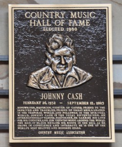 Country-Music-Hall-of-Fame-Johnny-Cashs-Plaque-Nashville-TN-2012-09-21_900x1082-249x300