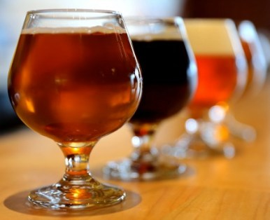 The house brews at Hopstix include the Gold Line Ale and Hopsession, which pair nicely with the diverse menu.