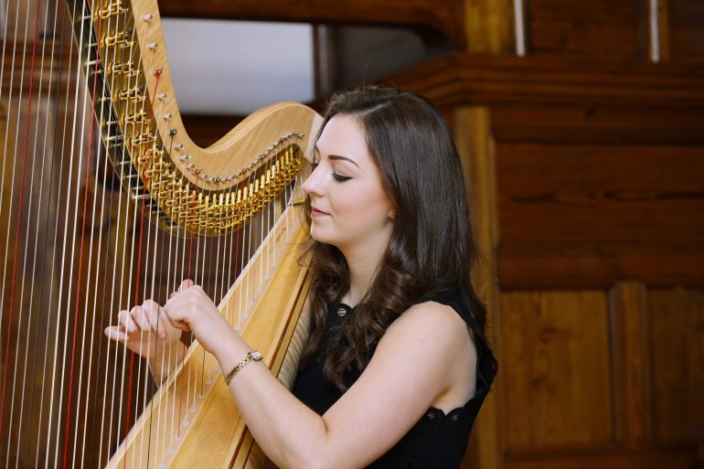 Harpist Isabel Harries
