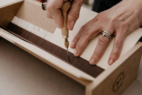 cuna para encuadernaciones hechas a mano