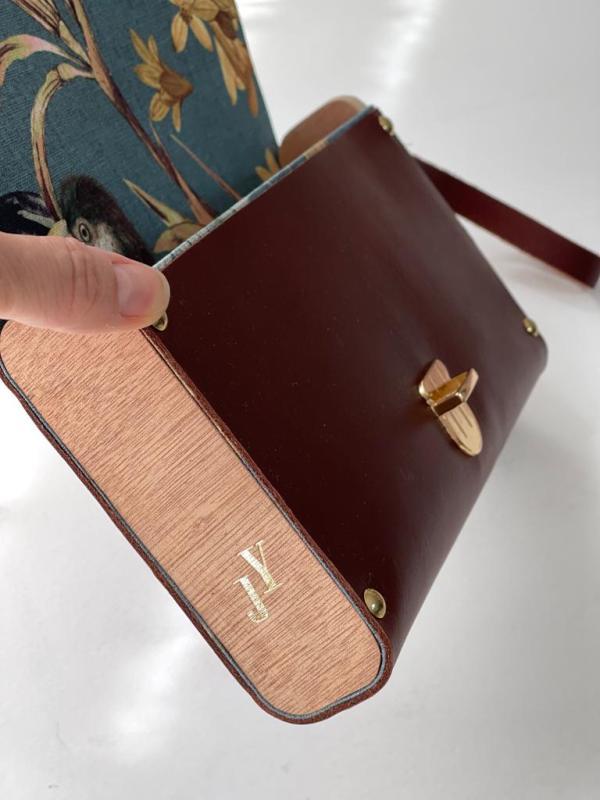 bolso de mano en madera personalizado