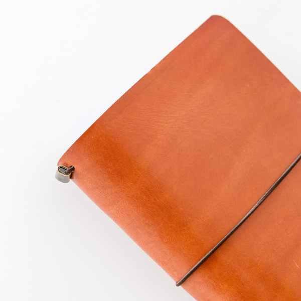 cuaderno de viajero midori con cierre de goma