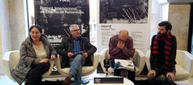 Presentación del Festival Internacional de Cine de Pontevedra, 'Nuovos Cinemas'. Ángel Santos, primero por la derecha.