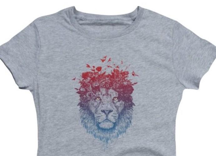 Lion artwork on gray t-shirt