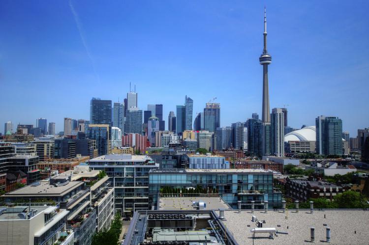 "© <a href='https://www.flickr.com/photos/39997856@N03/12765007753'>mariusz kluzniak [Flickr]</a>, bajo licencia <a href=""https://creativecommons.org/licenses/by-nc-nd/2.0/"">CC BY-NC-ND 2.0</a>. ImageToronto, Canadá"