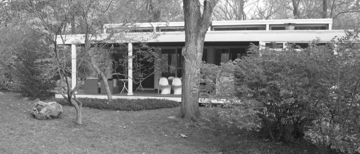 Growing Up in a Glass House: What Is it Like to Be the Daughter of an Uncompromising Modernist Architect?, Courtesy of Elizabeth W Garber