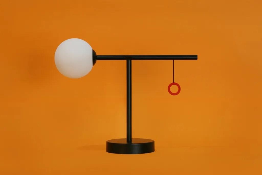 Más Table Lamp