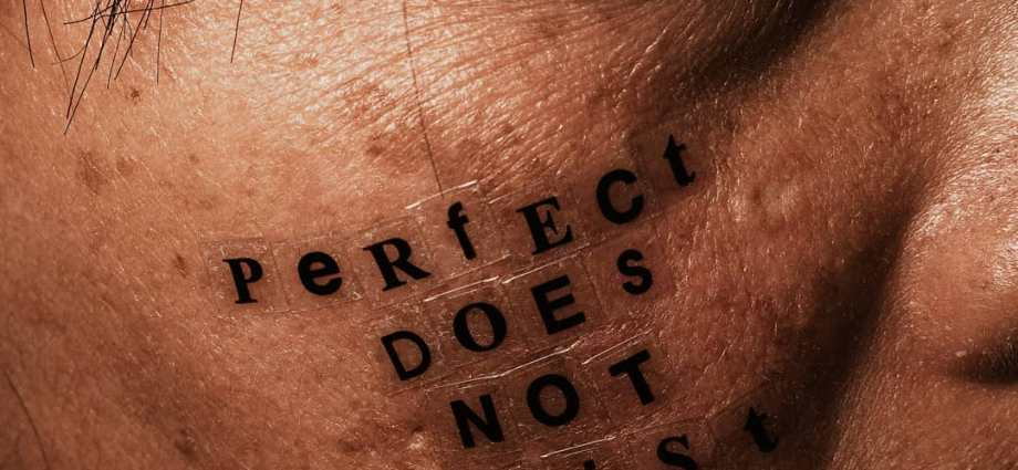 """Portrait with acne - """"perfect does not exist"""""""