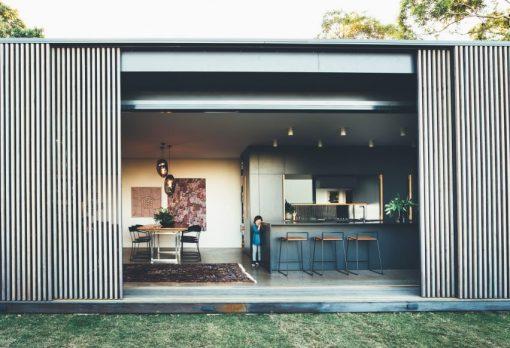 tinbeerwah-house-teeland-architects-blue-interior-architecture_dezeen_2364_col_5-852x583