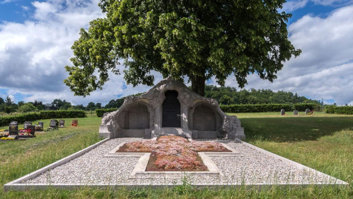 Hermann Obrist Grave
