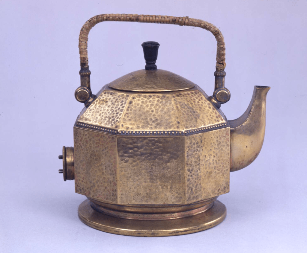 Kettle designed by Peter Behrens