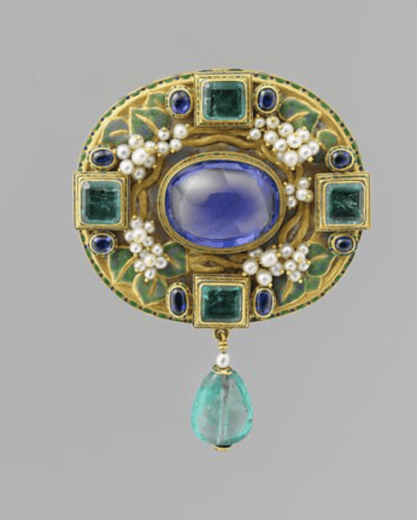 This suite of a brooch (or pendant) by Florence Koehler, necklace, and comb was made around 1905 for Emily Crane Chadbourne, daughter of the Chicago industrialist Richard T. Crane.