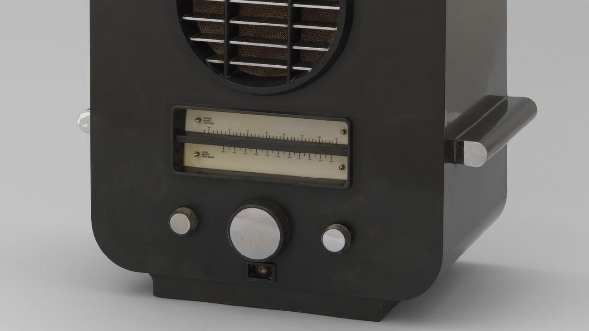 model AC74 radio
