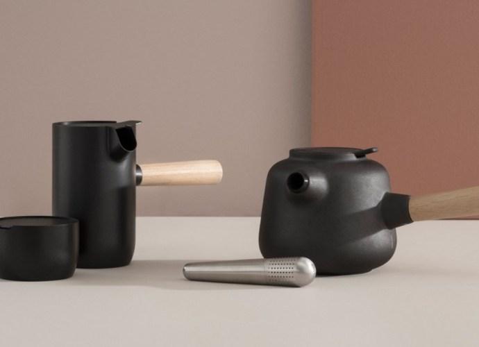 Stelton Collar Teapot in black featured image