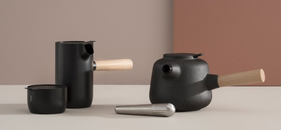 Stelton Collar Teapot in black featured image
