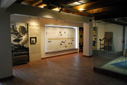 Museum Exhibiton of Marie Hoppe-Teinitzerová