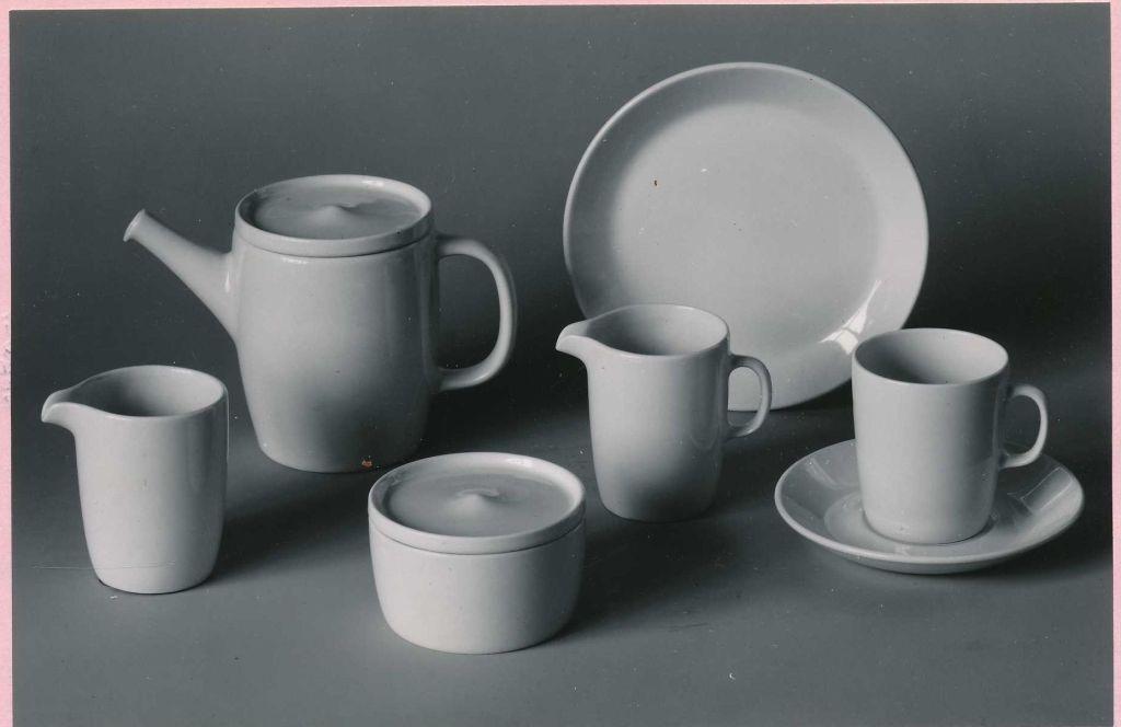 Ceramic coffee and tea set deesigned by Hermann Bongard, 1962