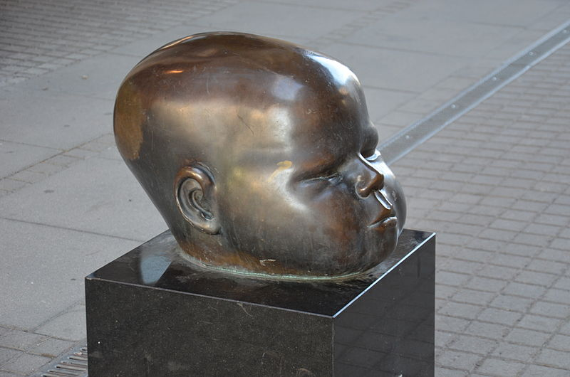 Child's head by Hertha Hillfon, Årstadal / Marievik