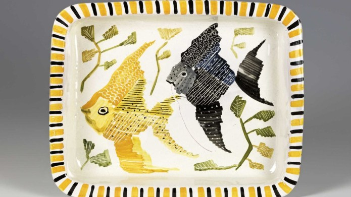 Serving plate with two fish, 1951 designed by Nora Gulbrandsen