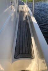 Aquador 32C side deck