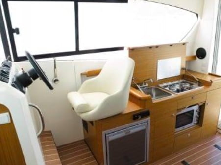 Merry Fisher 10 galley