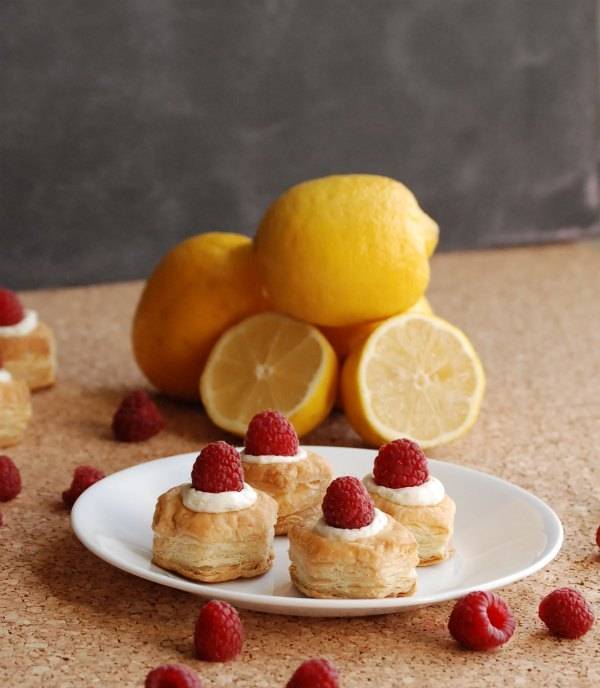 Raspberry Lemon Cheesecake Bites -- light, delicious and easy to make in minutes!