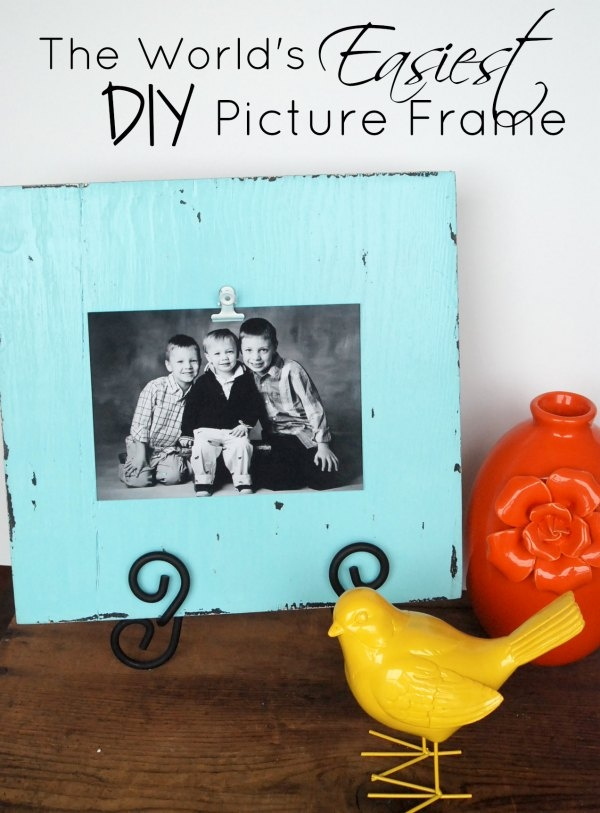 I love this frame so much. So rustic and simple, but you can make it in minutes!