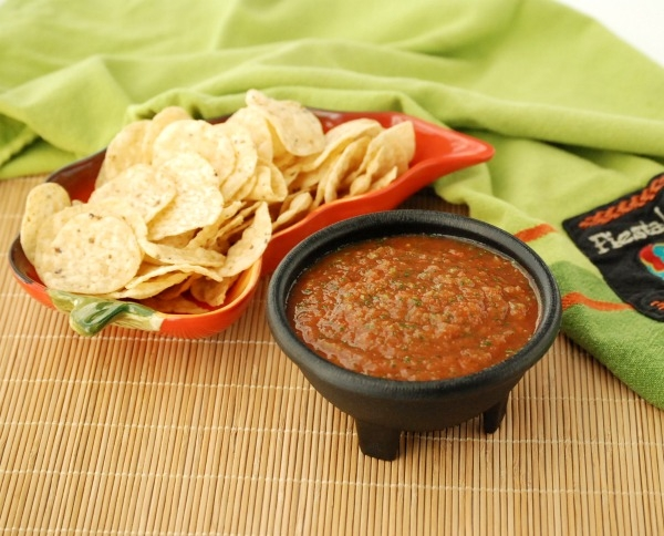 Make the easiest, most delicious salsa ever -- in about two minutes, with almost no chopping!