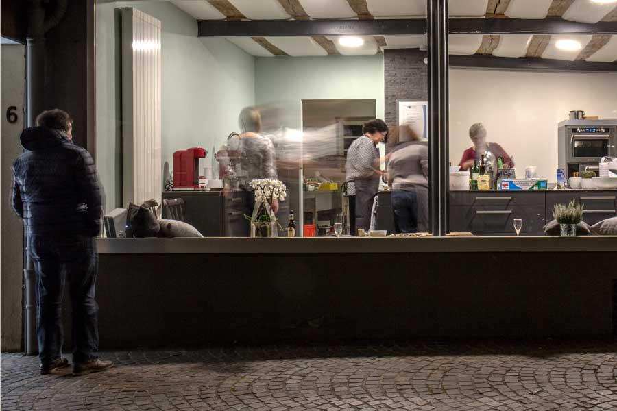 Zuschauer beim Kochkurs im Labsal in Eichelstadt