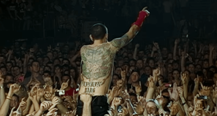 linkin_park_one_more_light_video_2017_foto.PNG