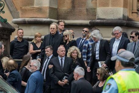 malcolm-young-funerale-9-foto