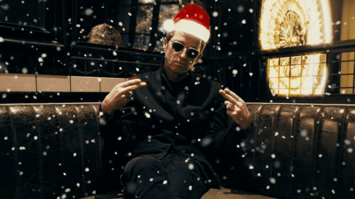 noel-gallagher-christmas-natale-intervista-end-of-a-century-foto