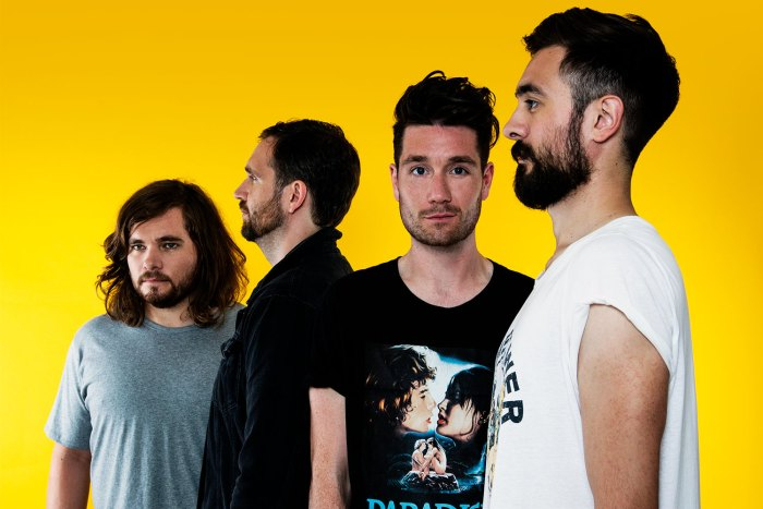 bastille-album-uscita-2018-end-of-a-century-foto.jpg