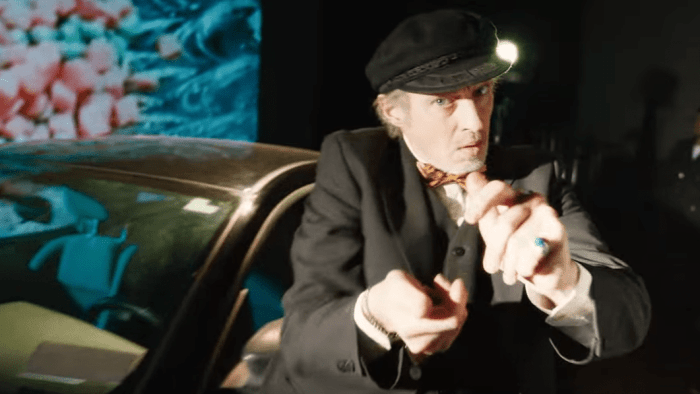 mgmt-me-and-michael-video-michael-buscemi-end-of-a-century-foto