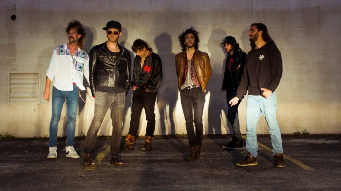 the-voidz-julian-casablancas-pointlessness-canzone-ascolta-end-of-a-century-foto