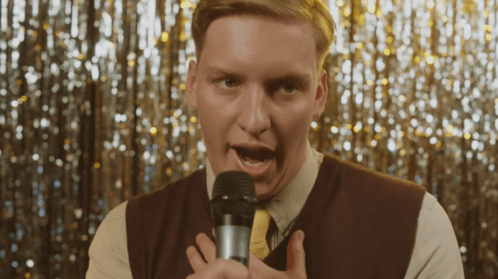 george-ezra-hold-my-girl-video-end-of-a-century-foto